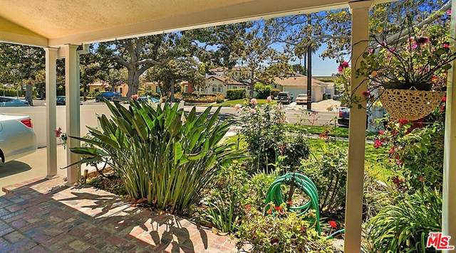 2572 Military Avenue, Los Angeles (City), CA 90064 (#21764352) :: The Kohler Group