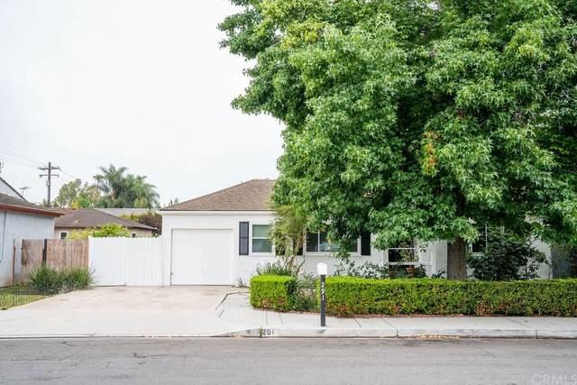 291 Monte Vista Avenue, Costa Mesa, CA 92627 (#NP21162190) :: The Kohler Group