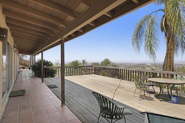 3225 Toyon Heights Dr, Fallbrook, CA 92028 (#210020895) :: Eight Luxe Homes