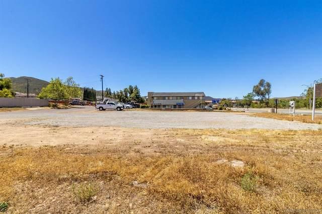 8069 Mission George 1, Santee, CA 92071 (#210020932) :: Robyn Icenhower & Associates