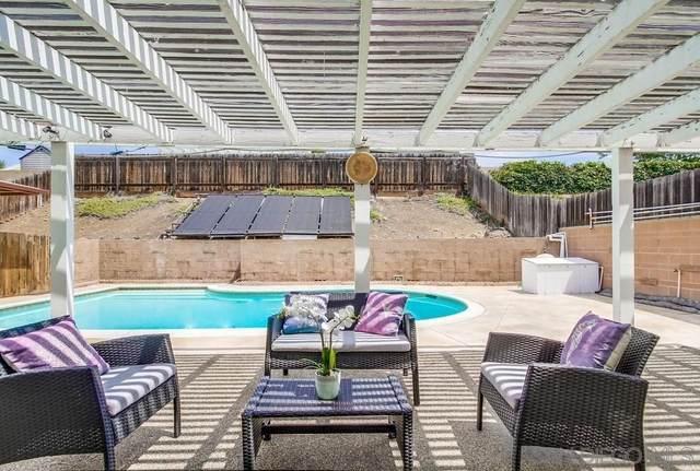 8272 Beaver Lake Dr, San Diego, CA 92119 (#210020972) :: Jett Real Estate Group