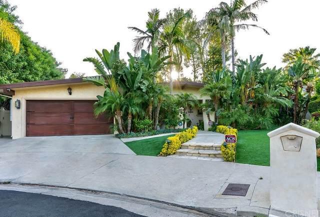 18955 La Amistad Place, Tarzana, CA 91356 (#SR21162881) :: Mark Nazzal Real Estate Group