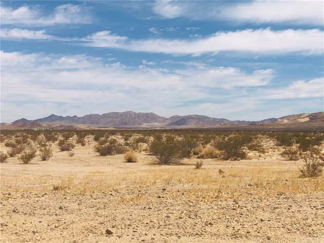 5 Garden Road, 29 Palms, CA 92277 (#JT21162932) :: Steele Canyon Realty