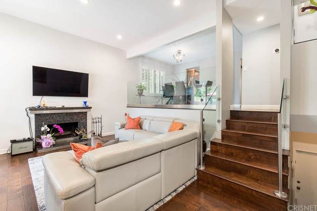 11732 Moorpark Street A, Studio City, CA 91604 (#SR21162007) :: Jett Real Estate Group