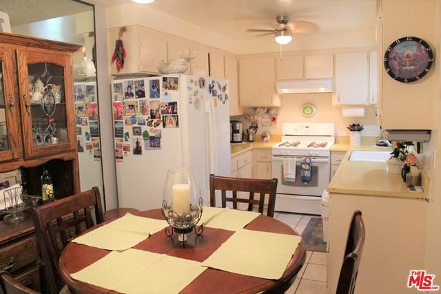 2501 W Redondo Beach Boulevard #212, Gardena, CA 90249 (#21765342) :: Eight Luxe Homes