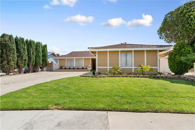 27148 Langside Avenue, Canyon Country, CA 91351 (#CV21163662) :: Jett Real Estate Group