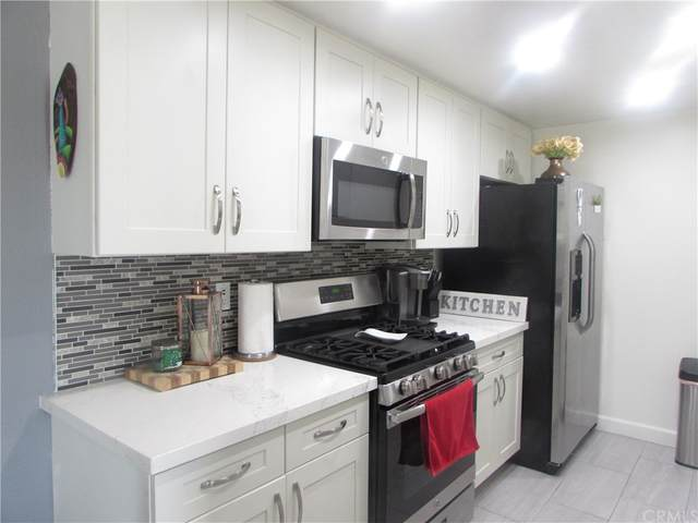 20405 S Vermont Avenue #6, Torrance, CA 90502 (#MB21164245) :: Mark Nazzal Real Estate Group