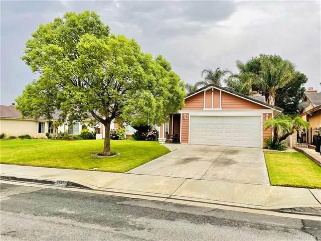 2621 W Montecito Drive, Rialto, CA 92377 (#CV21163973) :: Latrice Deluna Homes