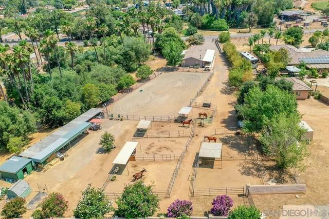 1637 Idaho Ave, Escondido, CA 92027 (#210021129) :: Eight Luxe Homes