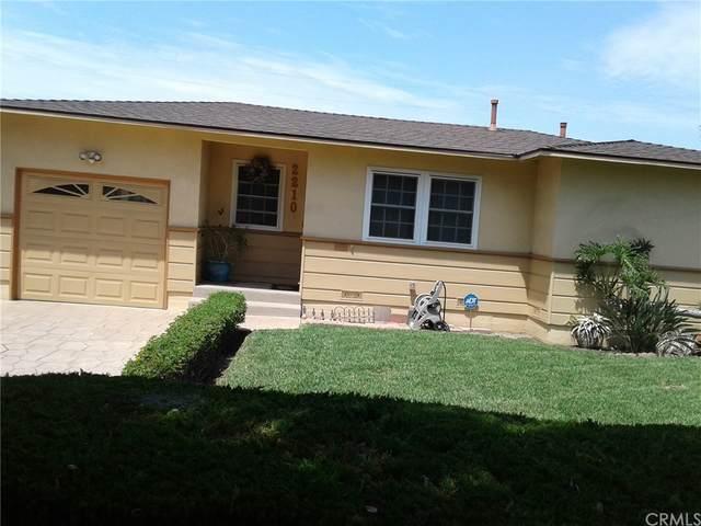 2210 Magnolia Avenue, Santa Ana Heights, CA 92707 (#TR21164797) :: Team Tami