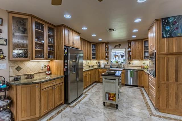 13467 Julian Ave, Lakeside, CA 92040 (#210021197) :: Jett Real Estate Group
