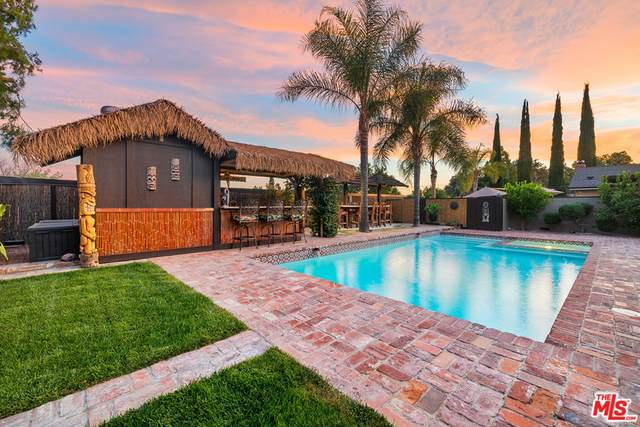 18936 Nearview Drive, Canyon Country, CA 91351 (#21765594) :: Doherty Real Estate Group