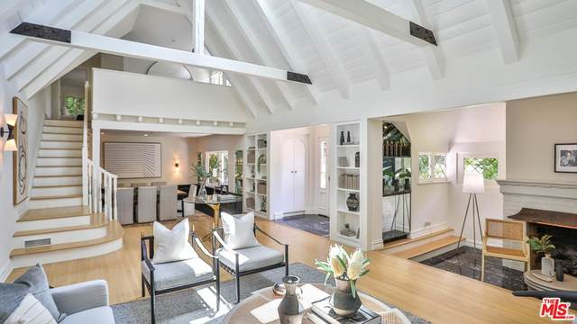 1136 Tower Road, Beverly Hills, CA 90210 (#21765940) :: The Houston Team   Compass