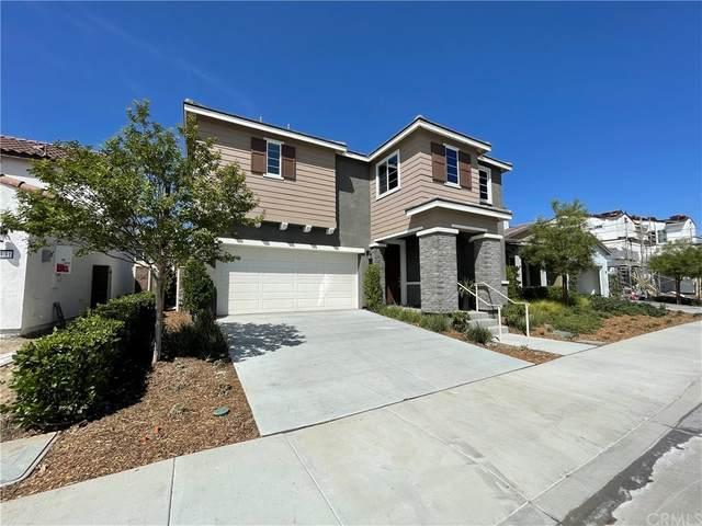 29127 Scarlet Oak, Lake Elsinore, CA 92530 (#SW21162621) :: Wendy Rich-Soto and Associates