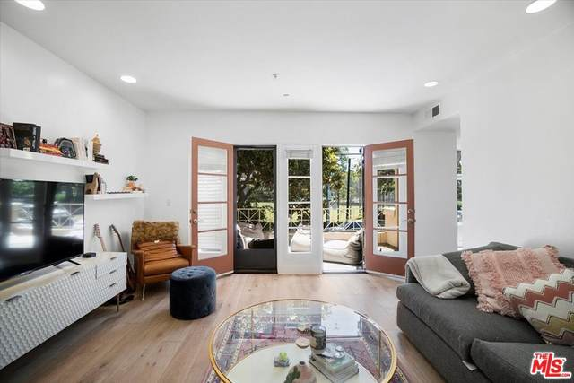 235 S Gale Drive #204, Beverly Hills, CA 90211 (#21766478) :: Powerhouse Real Estate