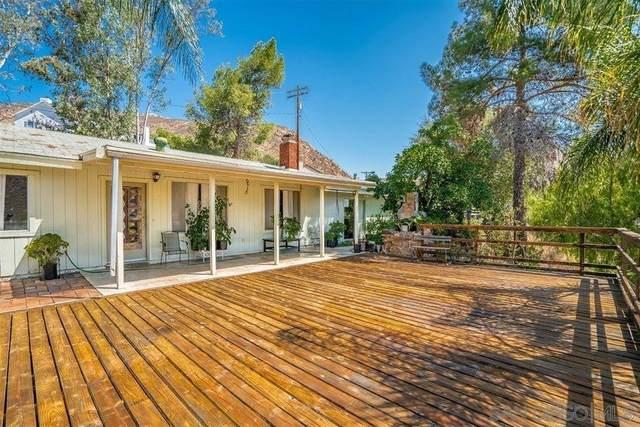 224 W W Noakes St, El Cajon, CA 92019 (#210021406) :: Eight Luxe Homes
