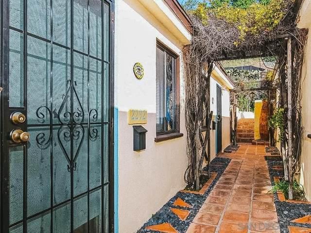 2292 Congress Street, San Diego, CA 92110 (#210021430) :: Blake Cory Home Selling Team