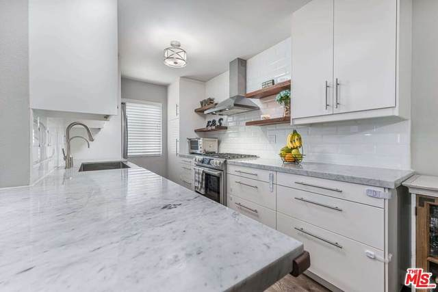 5055 Coldwater Canyon Avenue #212, Sherman Oaks, CA 91423 (#21766742) :: RE/MAX Empire Properties