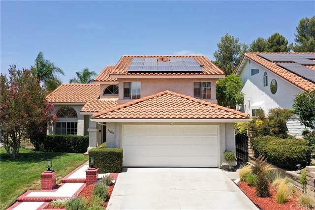 20061 Hilltop Court, Saugus, CA 91390 (#SW21166203) :: Latrice Deluna Homes