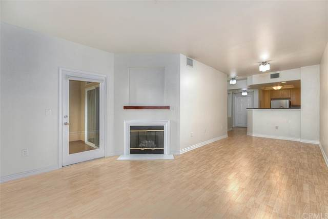 2400 5th Avenue #107, San Diego, CA 92101 (#OC21142254) :: Robyn Icenhower & Associates