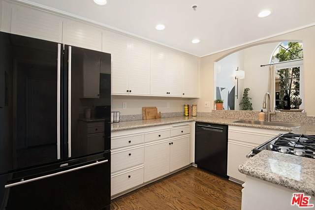 930 N Doheny Drive #415, West Hollywood, CA 90069 (#21765948) :: Mint Real Estate