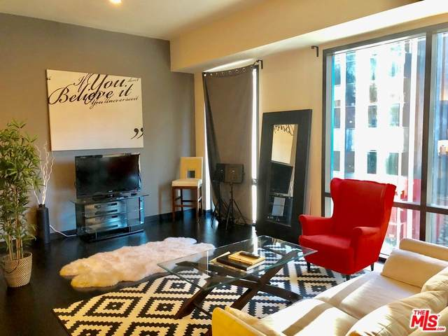 655 S Hope Street #702, Los Angeles (City), CA 90017 (#21766856) :: Realty ONE Group Empire