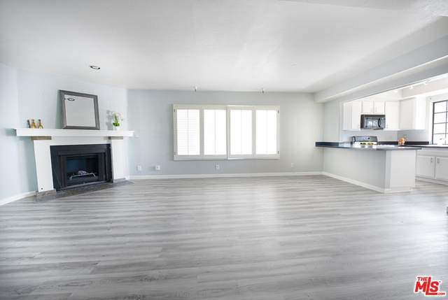 4551 Kester Avenue #1, Sherman Oaks, CA 91403 (#21767184) :: RE/MAX Empire Properties