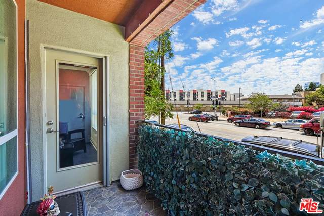 100 S Alameda Street #165, Los Angeles (City), CA 90012 (#21766926) :: Cochren Realty Team | KW the Lakes