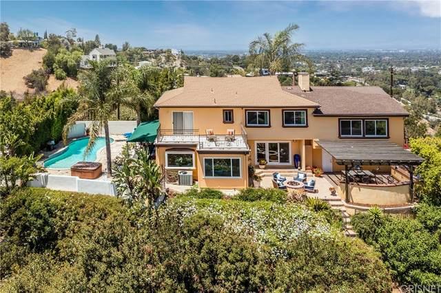 12486 Viewcrest Road, Studio City, CA 91604 (#SR21164673) :: Mint Real Estate