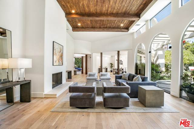 1571 Tower Grove Drive, Beverly Hills, CA 90210 (#21767516) :: Mint Real Estate