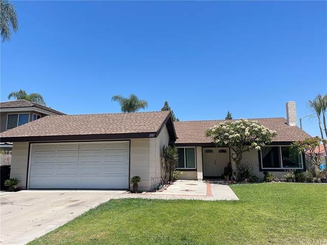 2107 W Almond Avenue, Orange, CA 92868 (#PW21169139) :: The Kohler Group