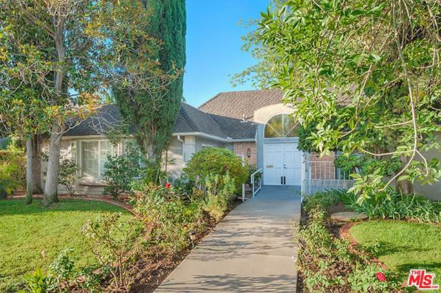 19834 Septo Street, Chatsworth, CA 91311 (#21766920) :: Cochren Realty Team | KW the Lakes
