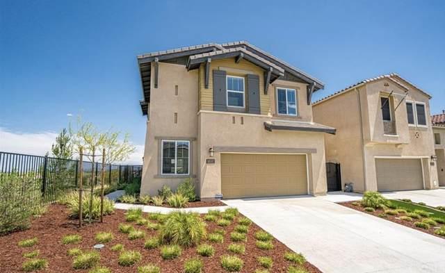 38597 Windingwalk Drive, Murrieta, CA 92563 (#PW21171321) :: Necol Realty Group