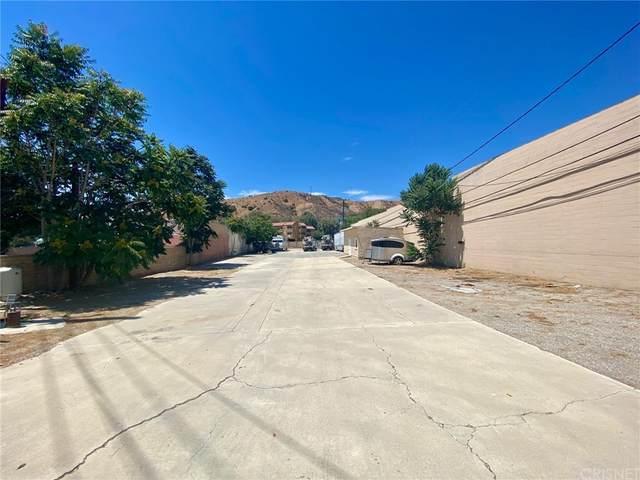 18015 Sierra, Canyon Country, CA 91351 (#SR21171456) :: Zutila, Inc.