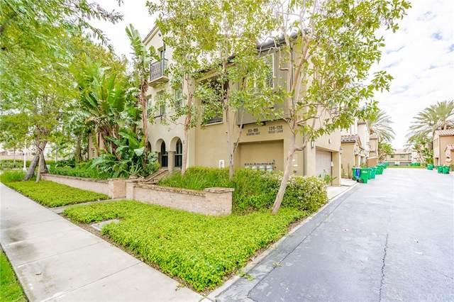 124 Great Lawn, Irvine, CA 92620 (#TR21171645) :: Latrice Deluna Homes