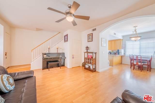 4838 Elmwood Avenue #8, Los Angeles (City), CA 90004 (#21769558) :: BirdEye Loans, Inc.