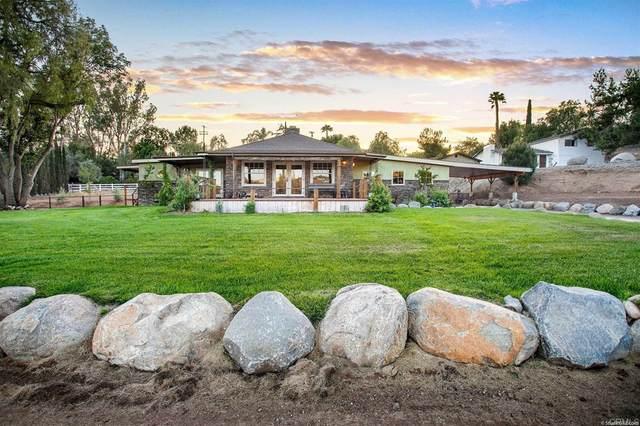 835 39 Country Club Drive, Escondido, CA 92029 (#NDP2110154) :: Blake Cory Home Selling Team