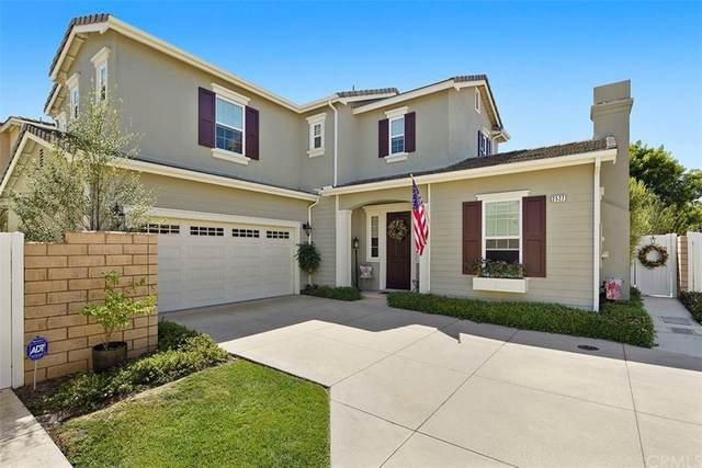 2527 Cornerstone Lane, Costa Mesa, CA 92626 (#PW21193842) :: Latrice Deluna Homes