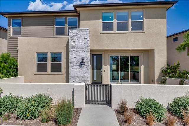 334 Chorus, Irvine, CA 92618 (#WS21197139) :: Latrice Deluna Homes