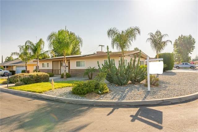 1076 N Encina Avenue, Rialto, CA 92376 (#CV21199050) :: Mainstreet Realtors®