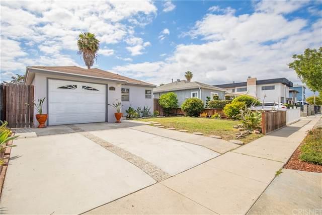 11717 Eucalyptus Avenue, Hawthorne, CA 90250 (#SR21199327) :: Robyn Icenhower & Associates