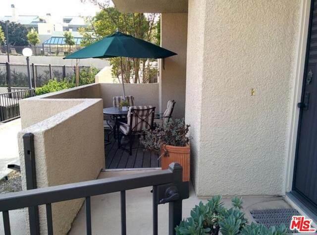 2170 Century Hill, Los Angeles (City), CA 90067 (#21781710) :: The DeBonis Team