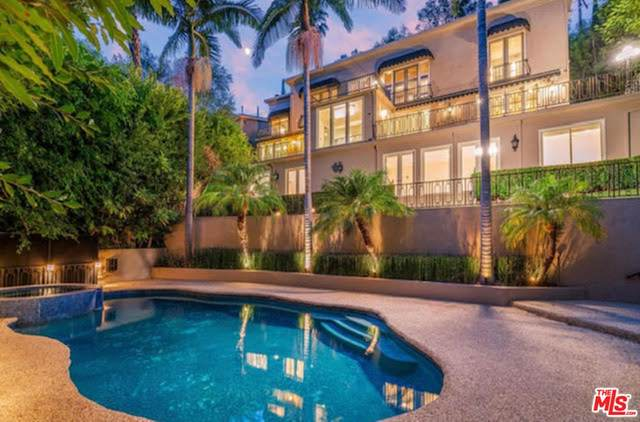 2501 Bowmont Drive, Beverly Hills, CA 90210 (#21781840) :: The Miller Group