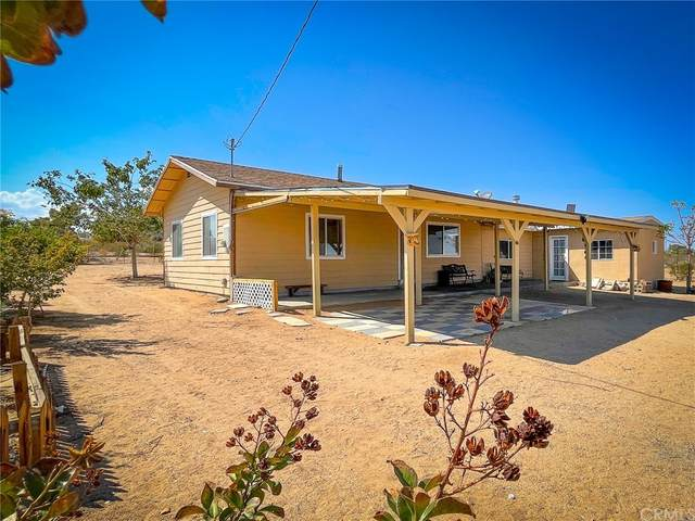 55978 Butte Street, Yucca Valley, CA 92284 (#SW21199521) :: Compass