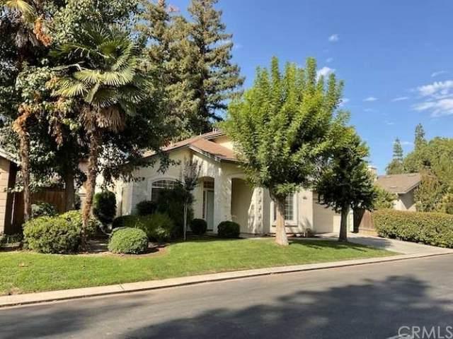 545 E Driftwood Drive, Fresno, CA 93730 (#FR21200620) :: Steele Canyon Realty