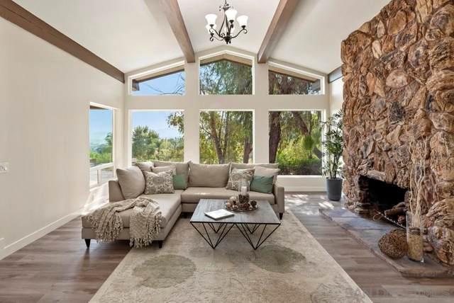 1128 Via La Cuesta, Escondido, CA 92029 (#210025974) :: Corcoran Global Living