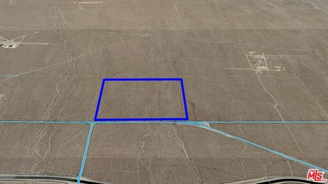 Llano, CA 93544 :: Compass