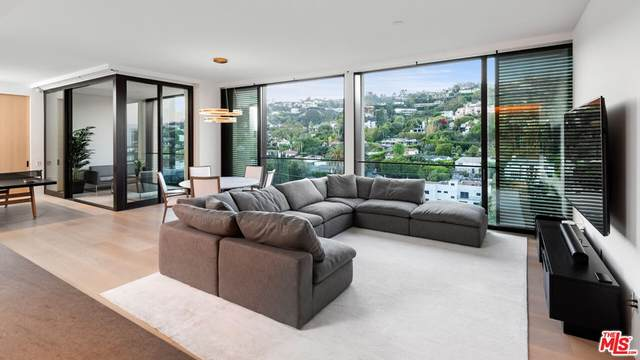 9040 Sunset Boulevard #1102, West Hollywood, CA 90069 (MLS #21782394) :: The Zia Group