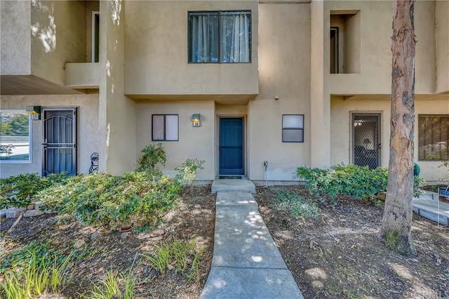 285 N Singingwood Street #11, Orange, CA 92869 (#OC21202869) :: Zutila, Inc.