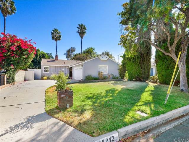 15912 Leadwell Street, Lake Balboa, CA 91406 (#BB21202913) :: Steele Canyon Realty